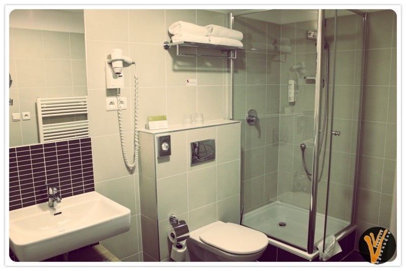 Baño del hotel en Praga