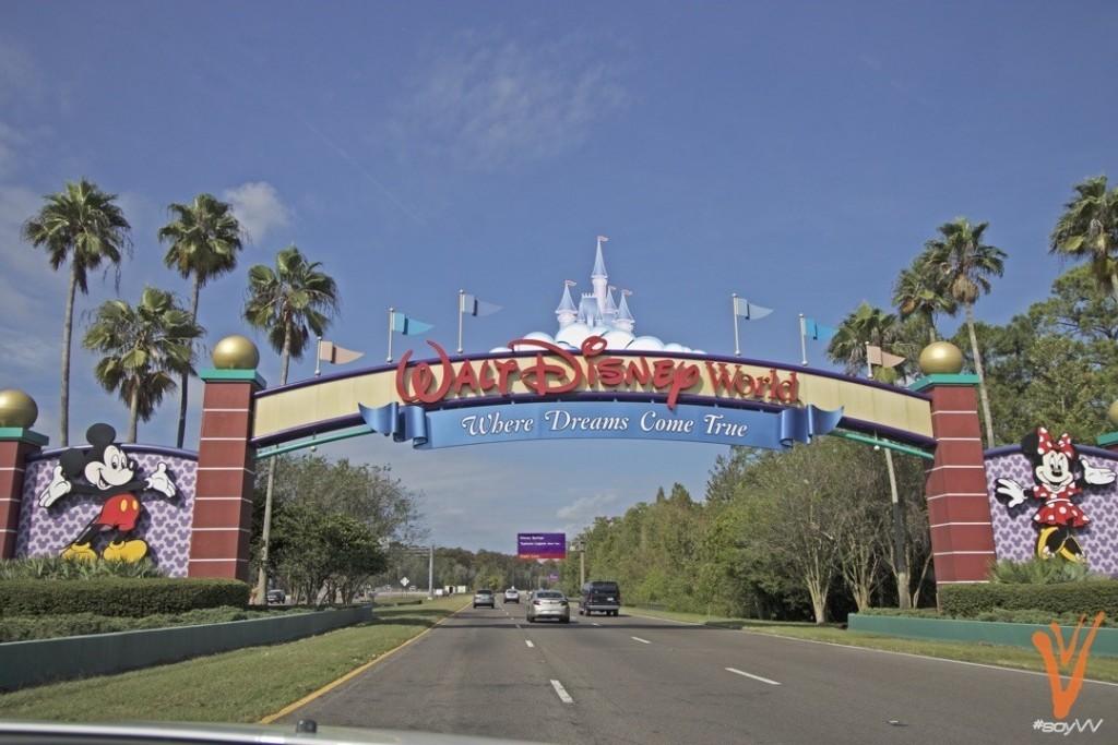 entrada a Disney