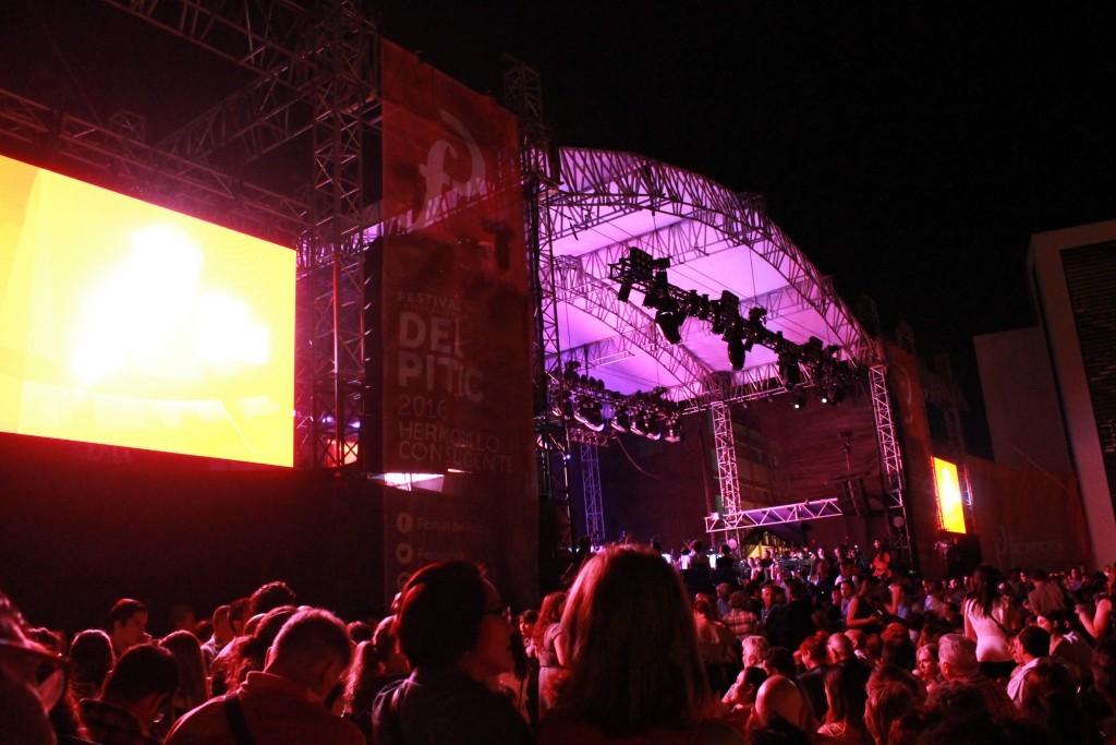 Escenario en Plaza Alonso Vidal. Festival Internacional del Pitic 2016