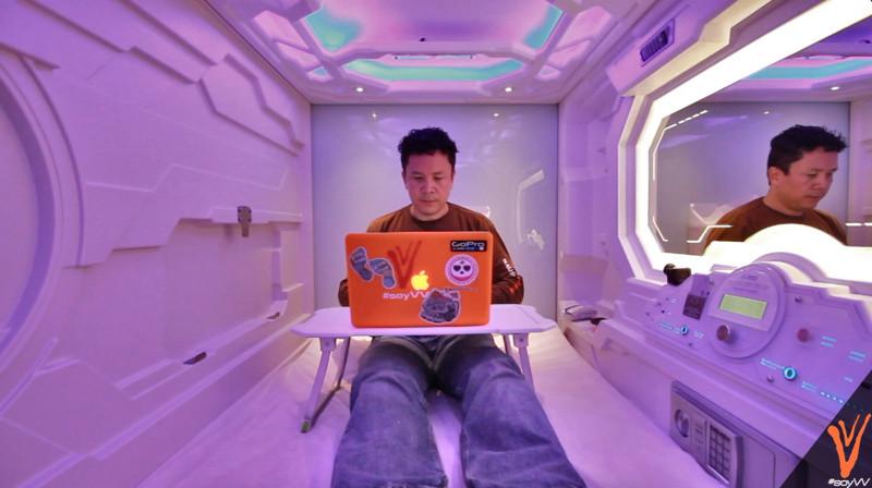 hotel de capsulas en el aeropuerto de la ciudad de mexico