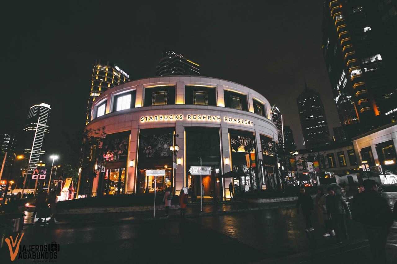 Starbucks más grande del mundo en Shanghai